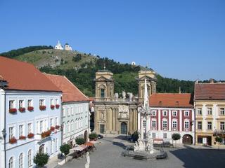 Mikulov – historischer Stadtplatz und Heiliger Berg